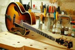 Guitare Luthier Jazz Modern Sonic (P. Brua)